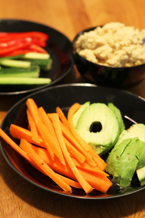 Tällä kertaa täytteinä oli porkkanoita, sinimailasen ituja, avokadoa, paprikaa ja kurkkua.