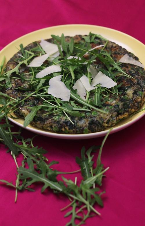 Parmesaani ja rucola maistuvat mainioilta mintun ja herneiden kanssa.