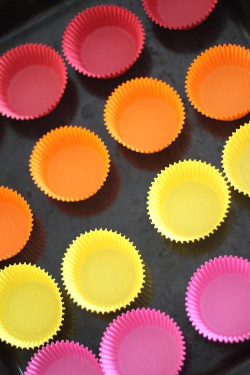 Voiko suolaiset muffinit paistaa näin makeissa vuoissa? Voi, kun paistaa vaan.