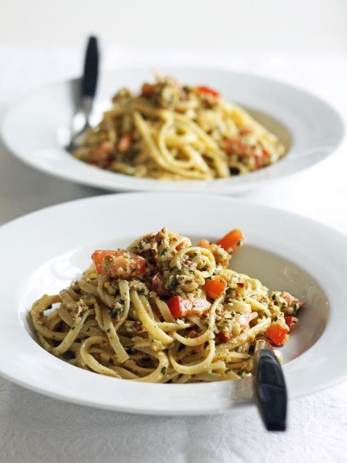 Maistuva pasta-ateria syntyy talvisemmistakin raaka-aineista.