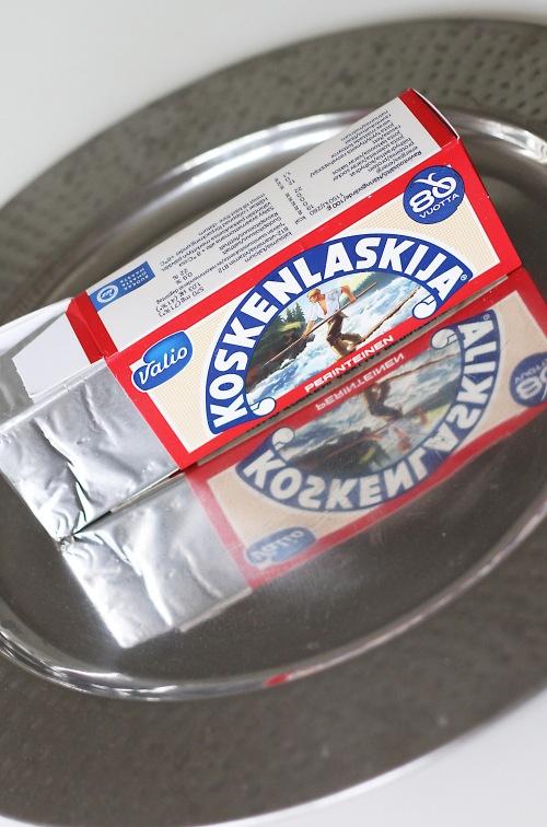 Vanha kunnon Koskenlaskija on tähän keittoon loistava valinta, mutta mikään ei estä käyttämästä jotain muuta vastaavaa juustoa.
