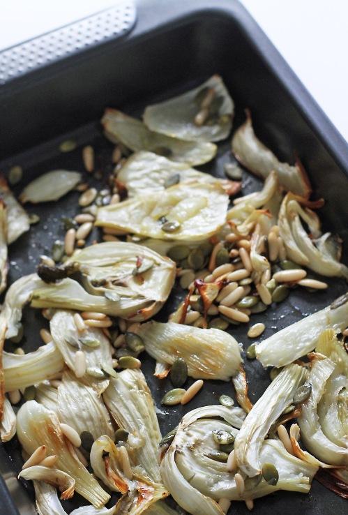 Fenkolit ja siemenet paahtuvat sopivasti vajaassa 40 minuutissa.